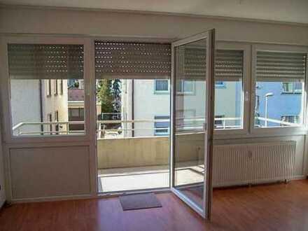 Modernisierte 1-Zimmer Wohnung mit Balkon und Stellplatz in zentraler Lage von Wendlingen am Neckar