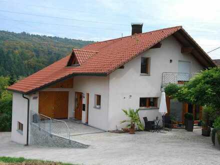 Schöne sechs Zimmer Wohnung in Waldshut (Kreis), Weilheim