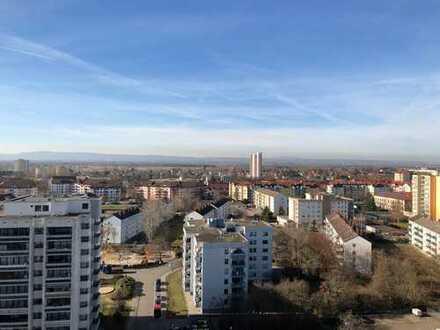 Gepflegte 1-Zimmer-Wohnung mit Balkon und Einbauküche in Frankenthal