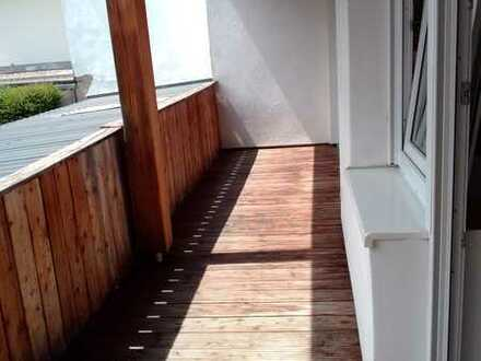 Attraktive 3,5-Zimmer-Nichtraucher-Wohnung 2 Balkonen in Straubing