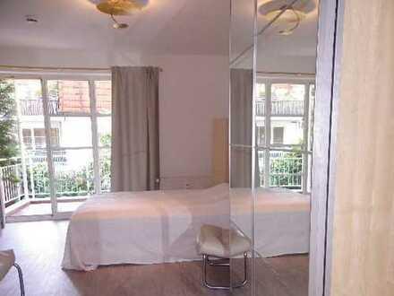 modern möbl. 1-Zimmer Wohnung/ Balkon/ offener EBK / Stellplatz ! Miete 995,00/Monat/ ab 01.04.2020