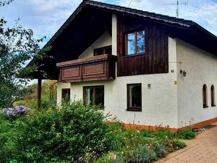 Mehrfamilienhaus mit sechs Zimmern und Einbauküche in Ungerhausen, Ungerhausen