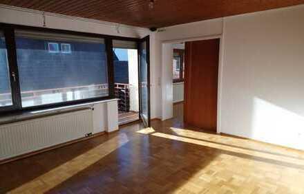 Exklusive, gepflegte 4,5-Zimmer-Wohnung mit Balkon, Garage, Stellplatz in Stadtmitte Lauffen