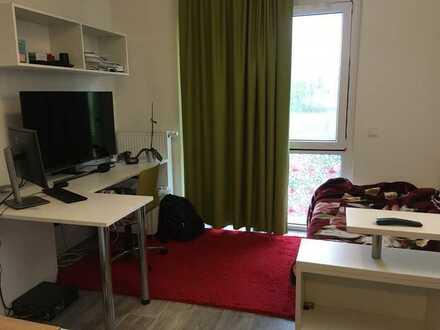 Geschmackvolle Wohnung mit einem Raum und EBK in Potsdam