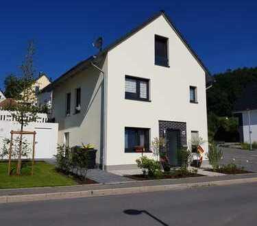 Neuwertiges, modernes FREISTEHENDES Einfamilienhaus in Hemer zu vermieten!