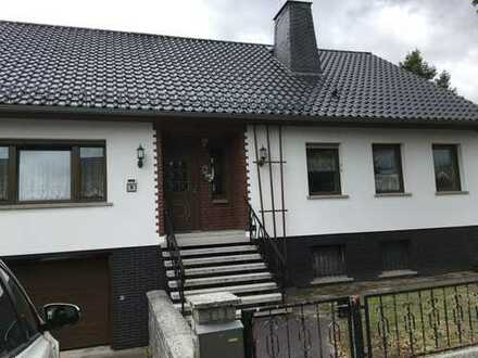 Geräumiges Einfamilienhaus mit Tiefgarage