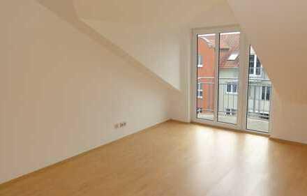 Gemütlicher Rückzugsort im Dachgeschoss mit Balkon und Einbauküche!