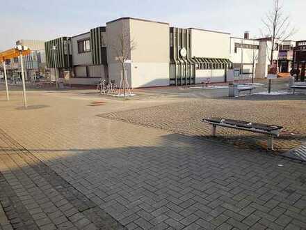 **MIT VIELEN OPTIONEN**Vielseitiger Gebäude-Komplex in bester Lage am Neuen Markt!