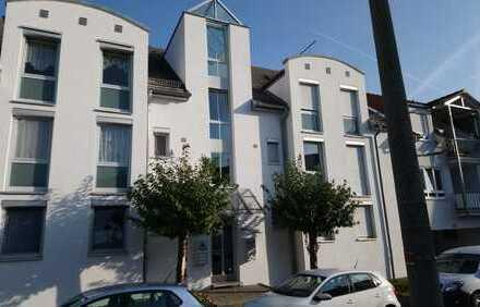 Provisionsfreie 2-Zimmer-Wohnung mit Balkon und EBK in erstklassiger Lage