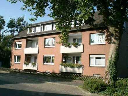 Teilrenovierte 4,5-Zimmer-Wohnung (ca. 100,00 m²) mit Balkon in Neukirchen-Vluyn zu vermieten