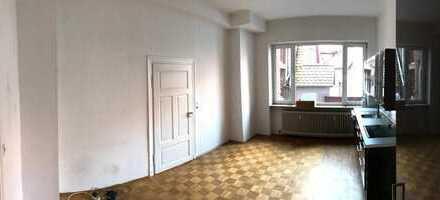 Attraktive 5-Zimmer-Wohnung mit Balkon in Ladenburger Innenstadt