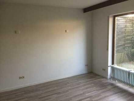 Schönes, geräumiges Haus mit Terrasse, Garten, fünf Zimmer u. Garage in Wetteraukreis, Bad Vilbel