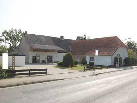 Wohn-Geschäftsgebäude oder als Hotel mit großer Scheune in Jembke zu Verkaufen