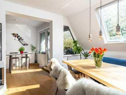 Exklusive, modernisierte 3-Zimmer-DG-Wohnung mit Balkon und EBK. Nur 10 min vom Kudamm!