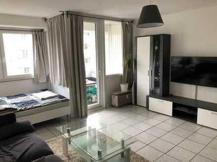 Möblierte 1-Zimmerwohnung mit Balkon zentral gelegen an der Podbi