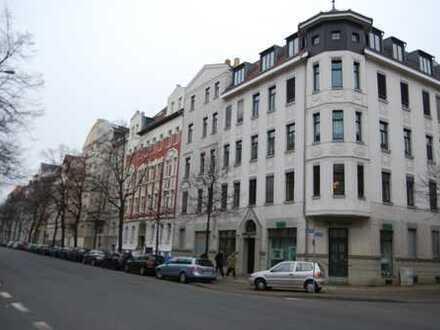 Kapitalanlage: praktische 3-Zi-Wohnung in saniertem Altbau