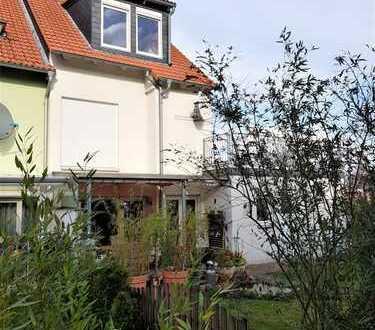 Hannover-Ahlem, Top gepflegtes und modernes Reihenendhaus nebst Garage - Bj. 2005