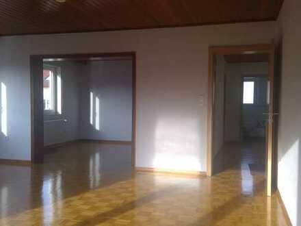 Vollständig renovierte helle 5-Zimmer-Wohnung mit Südbalkon in Alzenau-Albstadt