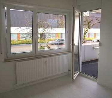 gut geschnittene helle 4-Zimmer-Wohnung mit neuer Einbauküche und ausreichend Stauraum