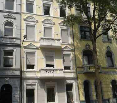 Schöne 2-Zimmer-Wohnung mit Balkon in Aachen, Erstbezug nach Sanierung