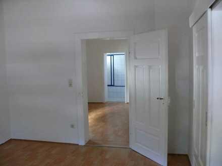 Helle 4-Zimmer-Wohnung mit Garten in Annweiler