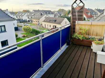 Aufregende 3-Zimmer-Dachgeschosswohnung mit hohen Decken und Balkon!