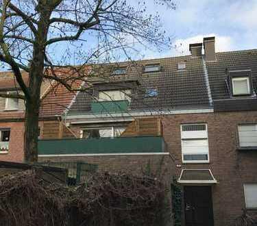 Schöne 2-Zimmer-Stadtwohnung mit großer Dachterrasse und Einbauküche!!