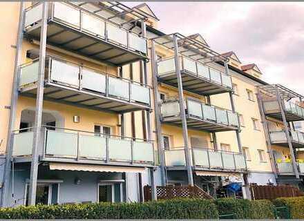 Großzügige Wohnung mit Balkon und Stellplatz!