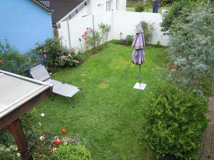 WG sucht Nachmieter in ruhiger Lage. 2 ZKB, Stellplatz, Garten