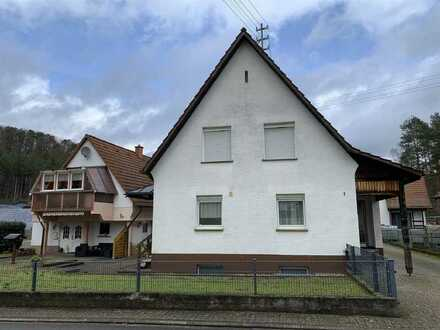 Ein-Zweifamilienwohnhaus mit separater Ferienwohnung