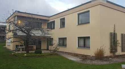 Grosszügige, helle 5-Zimmer-Wohnung mit Balkon, EBK, teilmöbliert