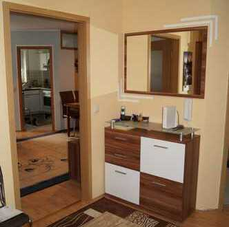 **Genialer Grundriss, lichtdurchflutete und sehr gepflegte 3-Zimmer m. Balkon + TG Stellplatz**