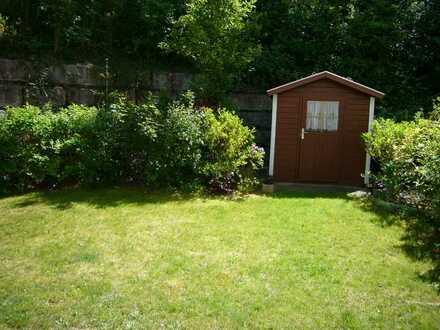 Neuwertige 2-Zimmer-Wohnung mit sehr gutem Schnitt und hübschem Garten