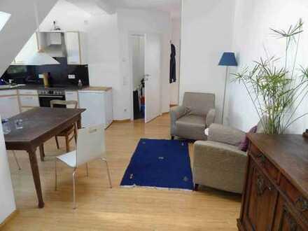 Bild_Helle, möblierte 1,5-Zimmer-Dachgeschosswohnung mit Einbauküche und Balkon in Wedding, Berlin
