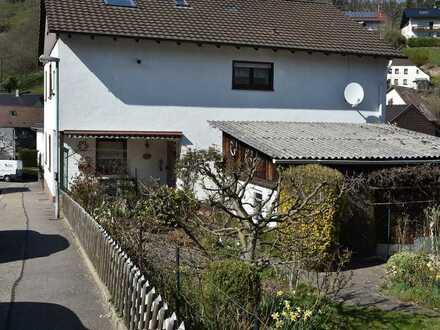 Großzügiges 1-2-Familienhaus - ca. 213m² Wfl. - 628m² Grund - 3 Garagen