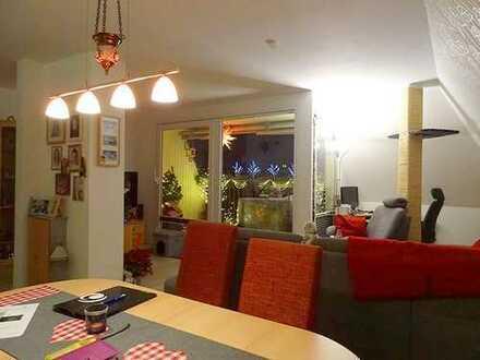 Bezugsfrei nach Vereinbarung! Gut geschnittene 3 Zimmer Dachgeschosswohnung in Berlin-Reinickendorf