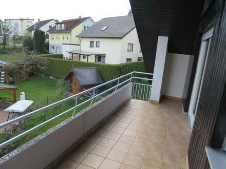 *** Würm - helle Dachwohnung mit großem Balkon ***
