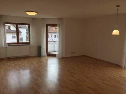 Helle drei Zimmer Wohnung in Remchingen-Singen