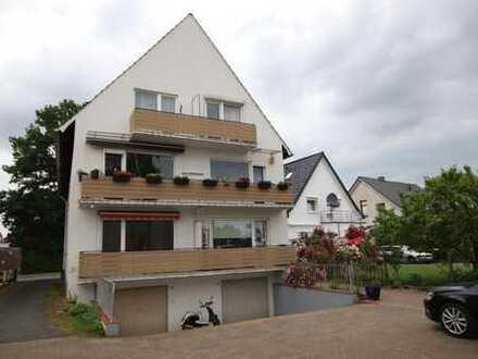 Beliebte Wohnlage! Modernisierte 3-Zimmer Wohnung mit Balkon/Stellplatz