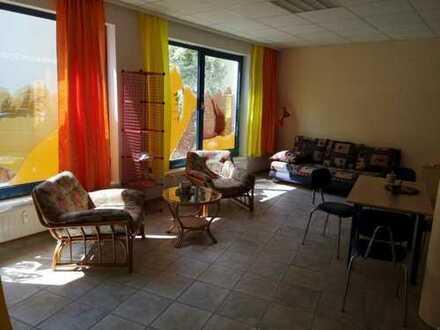 28-1/19 - Schöne zentral gelegene Ladenfläche / derzeit umfunktioniert zur Wohnung / Ferienwohnun...