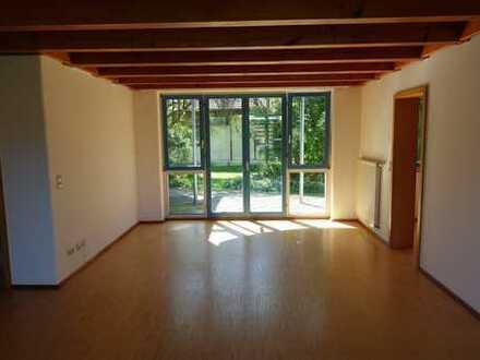 Gepflegte EG-Wohnung mit drei Zimmern und Balkon in Salem