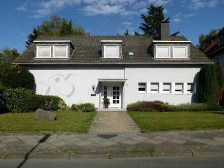 Teilvermietetes Zweifamilienhaus in der südlichen Gartenstadt!
