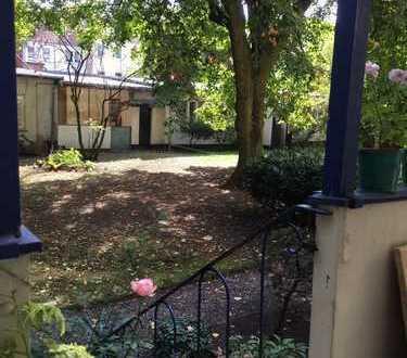 schönes 25 qm Zimmer in Linden an Frau zu vermieten