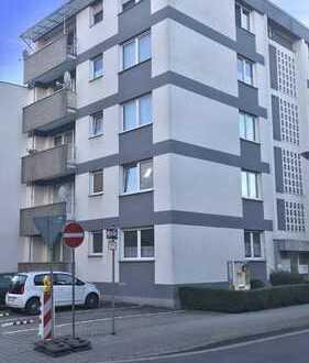 Erstbezug nach Sanierung mit Balkon: attraktive 2-Zimmer-Wohnung in Andernach