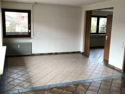 Gepflegte 5-Zimmer-EG-Wohnung mit Balkon in Schlaitdorf