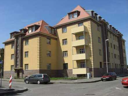 Super Maisonette-WG im 3. OG mit Laminat, Tageslichtbad, Gäste-WC mit Dusche und 3 Balkonen!