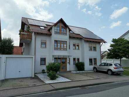 Schöne vier Zimmer Wohnung in Biberach (Kreis), Uttenweiler