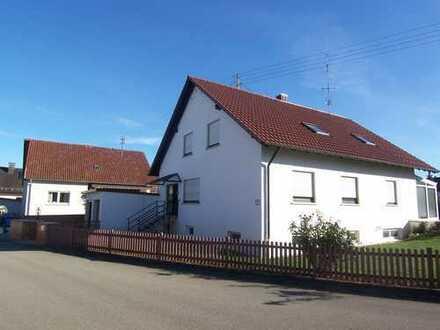 Schöne Dachgeschoss-Wohnung in ruhiger Wohnlage
