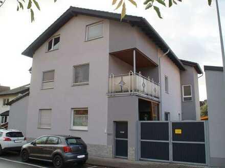 ImmobilienPunkt*** Großes Einfamilienhaus mit Garten und Carport in Oppenheim