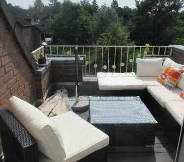 Wunderschöne, individuelle 3 Zimmer Galerie-Maisonette-Wohnung mit kleiner Terrasse